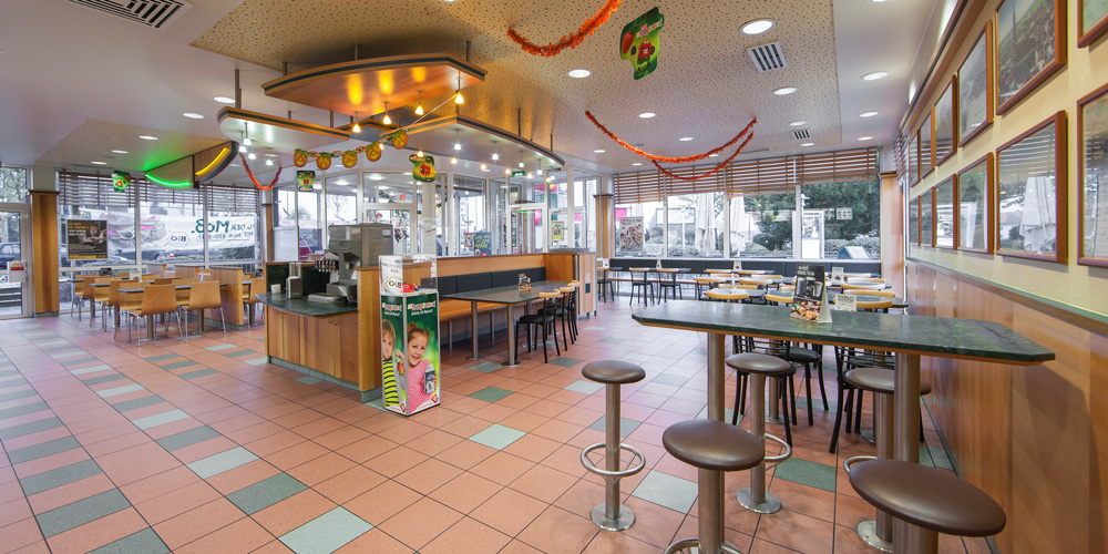 mcdonald s restaurant in landshut m nchnerau mit mcdrive mcdonald 39 s landshut. Black Bedroom Furniture Sets. Home Design Ideas